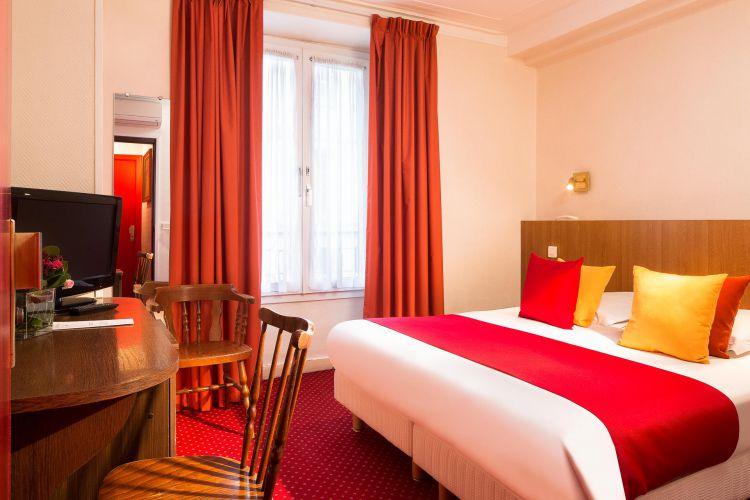 Tourism Paris - Hotel Paris 1st district Saint Roch