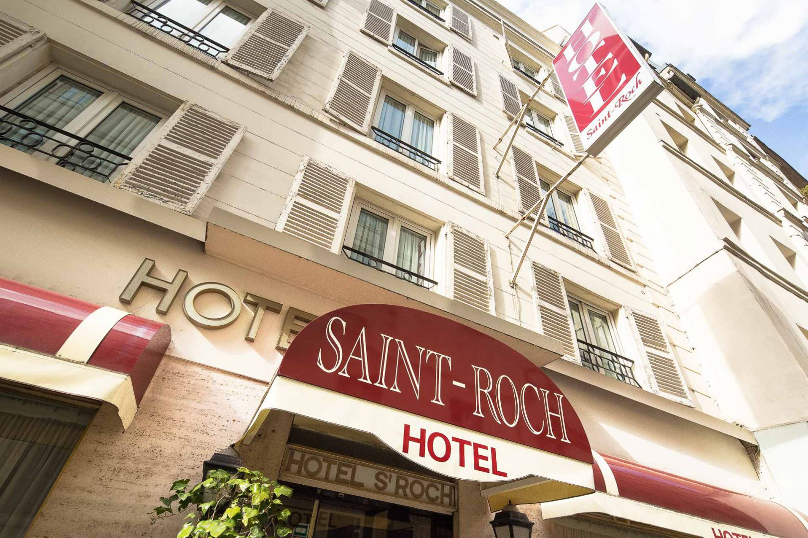 pictures hotel saint roch hotel near saint roch 39 s church. Black Bedroom Furniture Sets. Home Design Ideas