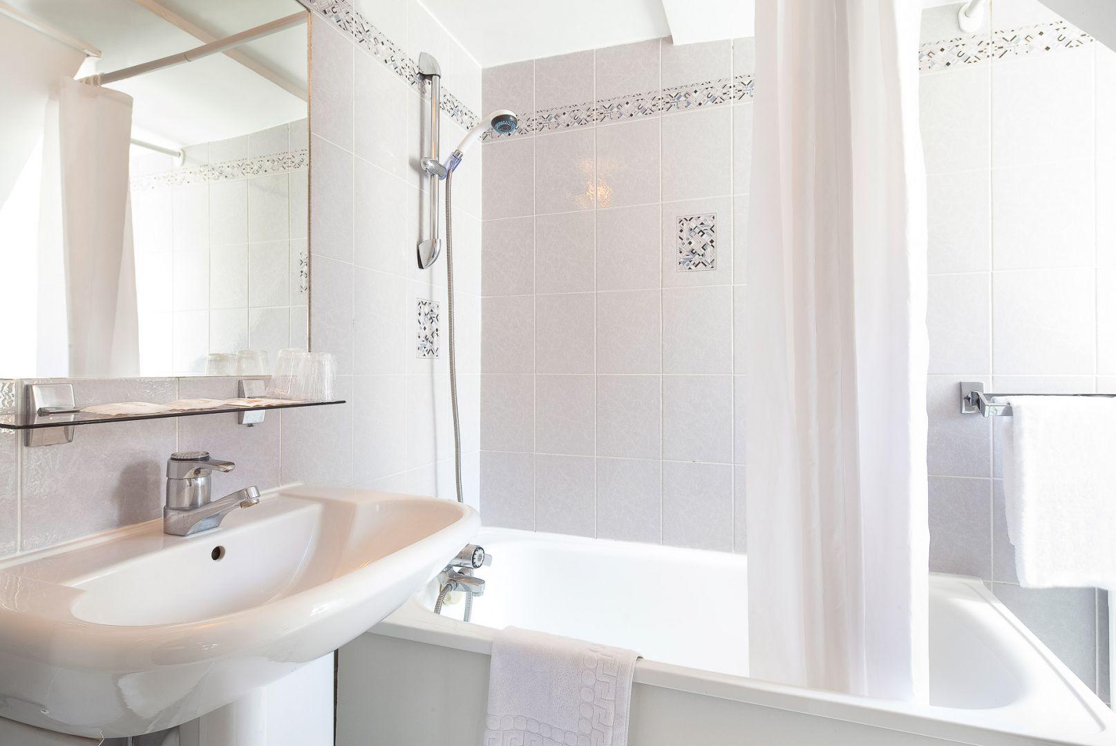 Bloc Ytong Pour Salle De Bain ~ chambres hotel 2 etoiles paris centre saint roch hotel paris 75001